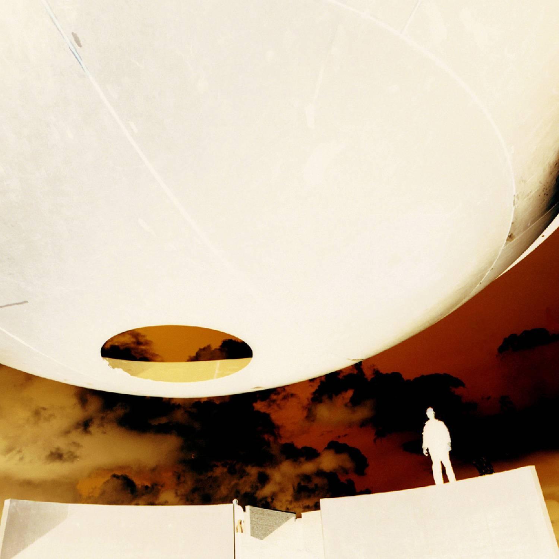 Ufo 4 2001 sign. Fotoabzug ger. 25 x 25 cm Aufl. III aus NACHTWACHE DuMont Buchverlag Köln 2001